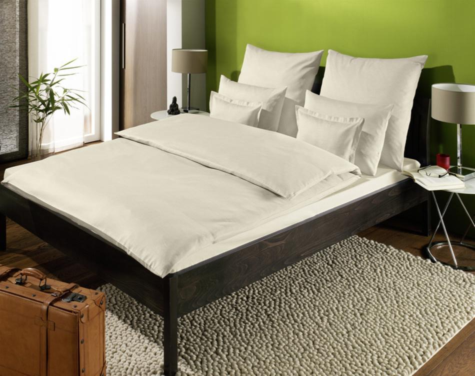 bettw sche farbig trend zollner hotelw sche. Black Bedroom Furniture Sets. Home Design Ideas