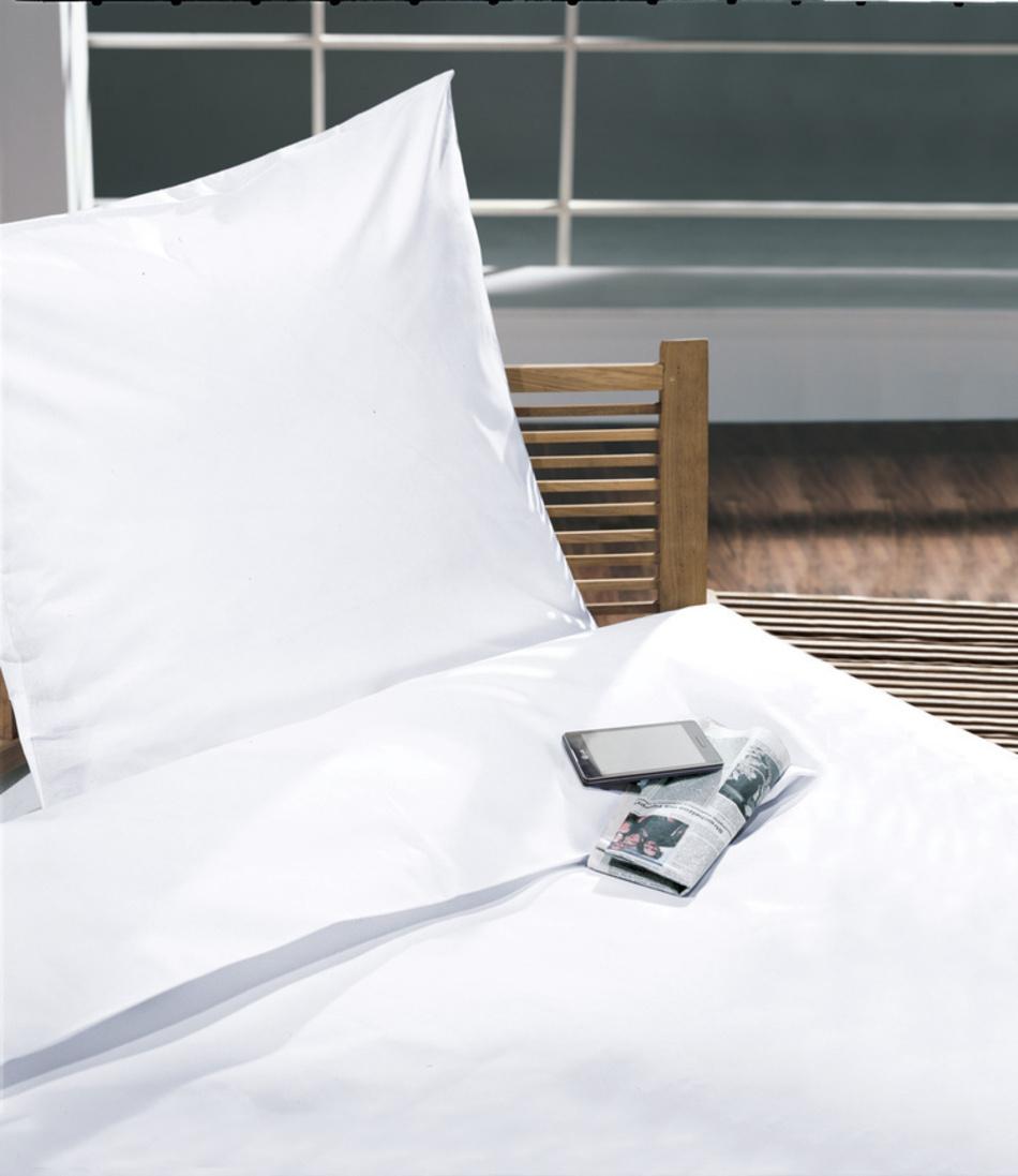 bettw sche wei porto zollner heimtextil fachmarkt. Black Bedroom Furniture Sets. Home Design Ideas